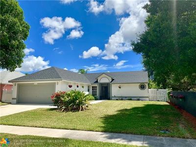Boynton Beach Single Family Home For Sale: 9122 Cavatina Pl