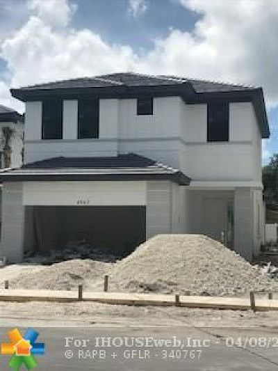 Dania Beach Single Family Home For Sale: 4967 Whispering Way