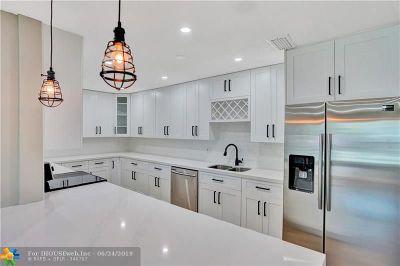 Oakland Park Single Family Home For Sale: 755 NE 40th St