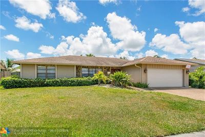 Boca Raton Single Family Home For Sale: 4372 Cedar Creek Rd