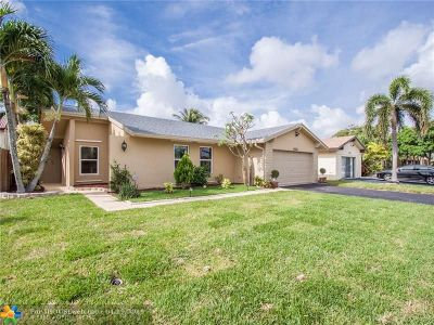 Sunrise Single Family Home For Sale: 9370 NW 38th Pl