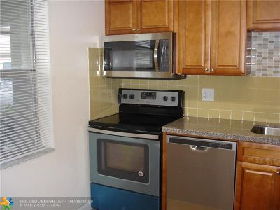 Margate Condo/Townhouse For Sale: 600 NW 76th Ter #102