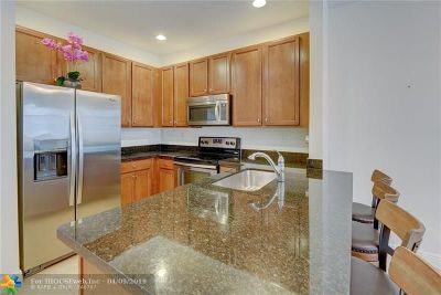 Pembroke Pines Condo/Townhouse For Sale: 1029 SW 147th Ave #5102
