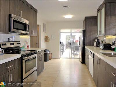 Hollywood Single Family Home For Sale: 1647 Van Buren St