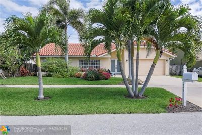 Boca Raton Single Family Home For Sale: 399 Apache Ln