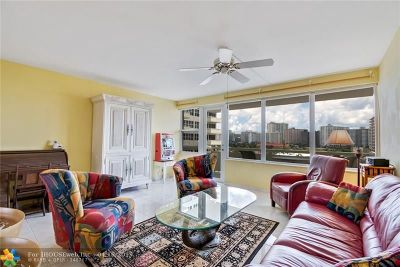Fort Lauderdale Condo/Townhouse For Sale: 3200 NE 36th St #921