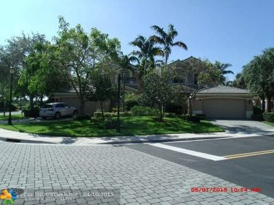 Weston Condo/Townhouse For Sale: 2817 Center Ct Dr #1-26
