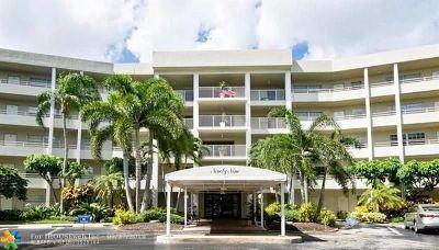 Pompano Beach Condo/Townhouse For Sale: 821 Cypress Blvd. #301