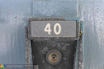 Deerfield Beach Condo/Townhouse For Sale: 40 Upminster B #40