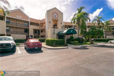 Tamarac Condo/Townhouse For Sale: 7403 Fairfax Dr #102