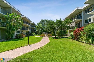 Wilton Manors Condo/Townhouse For Sale: 3004 NE 5th Ter #317-C