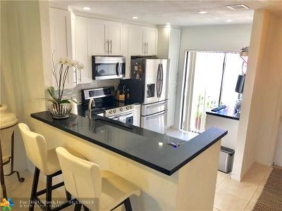 Tamarac Condo/Townhouse For Sale: 6335 Pinehurst Cir #D35