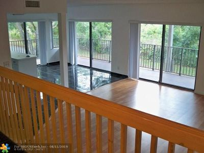 Davie Condo/Townhouse For Sale: 4715 SW 62nd Ave #202