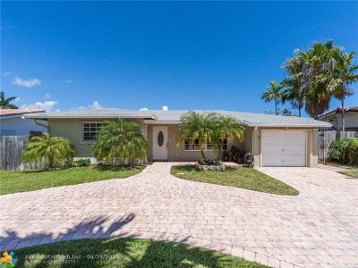 Pompano Beach Single Family Home For Sale: 2717 SE 14th St