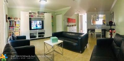 Margate Condo/Townhouse For Sale: 6617 Winfield Blvd #1-7