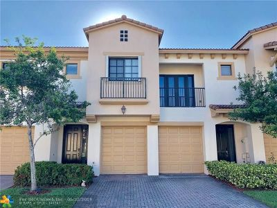 Coconut Creek Condo/Townhouse For Sale: 6103 Grand Cypress Cir #6103
