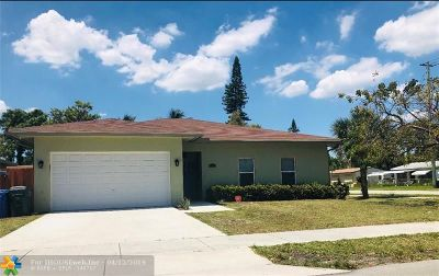 Oakland Park Single Family Home Backup Contract-Call LA: 4095 NW 5th Ave