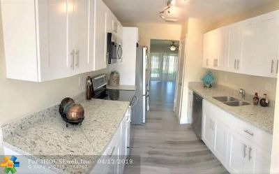 Sunrise Condo/Townhouse For Sale: 10675 NW 30th Pl #3
