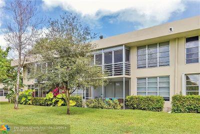Pompano Beach Condo/Townhouse For Sale: 907 Cypress Ter #202