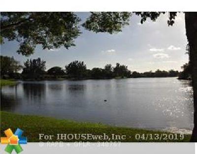 Lauderhill Condo/Townhouse For Sale: 5539 Constant Spring Ter #214