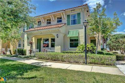 Hollywood Condo/Townhouse For Sale: 4395 Cascada Cir #4395