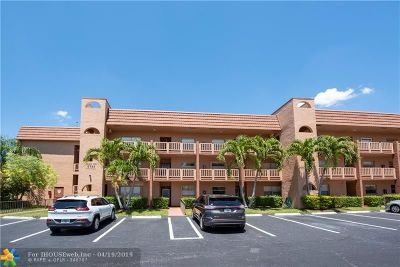 Sunrise Condo/Townhouse For Sale: 9781 Sunrise Lakes Blvd #306