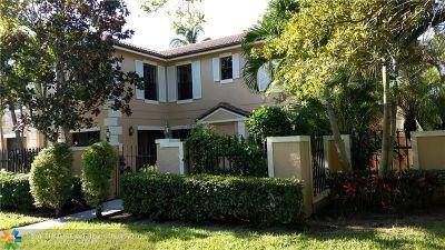 Palm Beach Gardens Condo/Townhouse For Sale: 353 Prestwick Cir #1