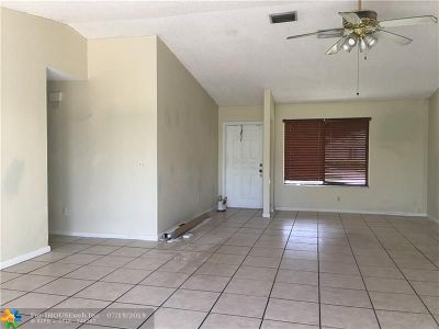 Miramar Single Family Home For Sale: 9300 Andora Dr