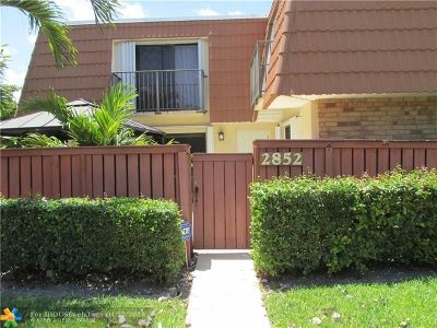 Deerfield Beach Condo/Townhouse For Sale: 2852 Waterford Dr #2852