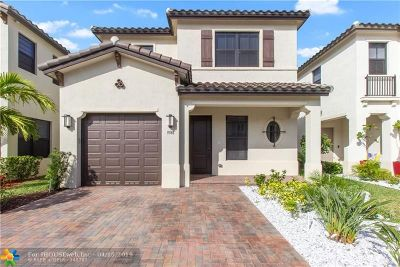 Hialeah Single Family Home For Sale: 9748 W 34th Ln