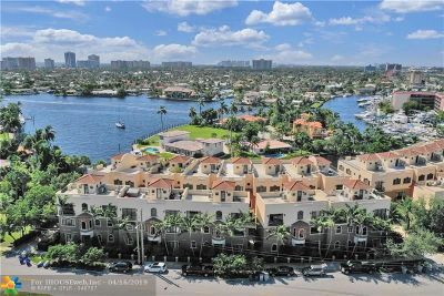 Pompano Beach Condo/Townhouse For Sale: 2230 SE 7th St #2230