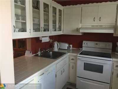 Lauderdale Lakes Condo/Townhouse For Sale: 2801 NW 47th Ter #306B
