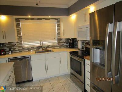 Sunrise Condo/Townhouse For Sale: 9521 Sunrise Lakes Blvd #302