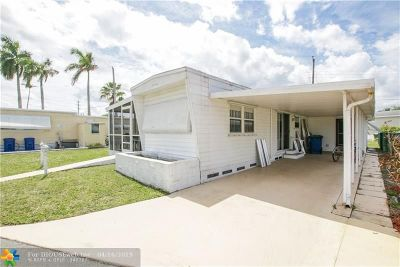 Davie Single Family Home For Sale: 8616 SW 16th Pl