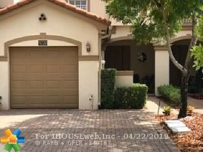 Cooper City Condo/Townhouse For Sale: 9728 Darlington Pl #9728