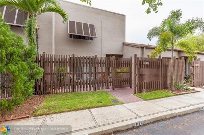 Pembroke Pines Condo/Townhouse For Sale: 1148 NW 122nd Ter #1148