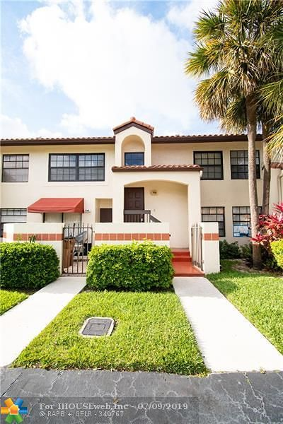 Deerfield Beach Condo/Townhouse For Sale: 706 Freedom Ct #706