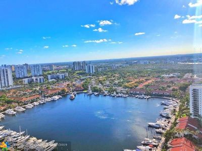 Aventura Condo/Townhouse For Sale: 21205 Yacht Club Dr #3204