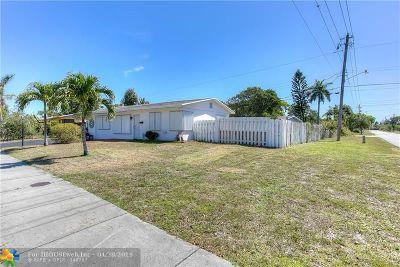 Pompano Beach Single Family Home For Sale: 3000 NE 11th Ave