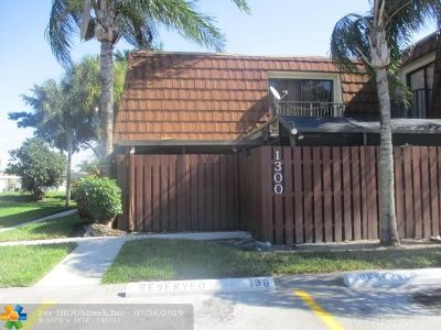 Broward County Condo/Townhouse For Sale: 1302 SW 118th Ter #1302