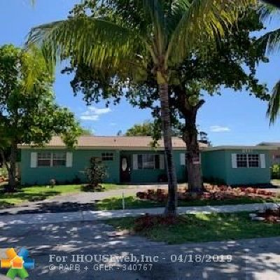 Pompano Beach Single Family Home For Sale: 2731 NE 2nd Ave