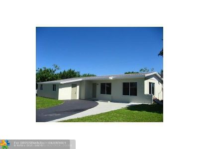 Lauderhill Single Family Home For Sale: 3460 NW 5th Pl