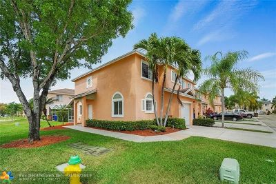 Deerfield Beach Condo/Townhouse For Sale: 4791 SW 14th Court