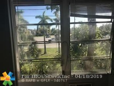 Deerfield Beach Condo/Townhouse For Sale: 359 Farnham Q #359