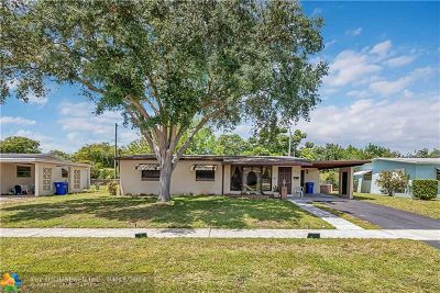Pembroke Pines Single Family Home For Sale: 6419 SW 7th St