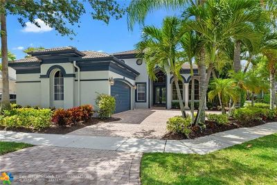 Delray Beach Single Family Home For Sale: 6132 Via Venetia