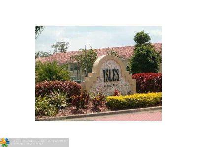 Sunrise FL Condo/Townhouse For Sale: $190,000