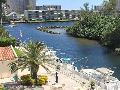Pompano Beach FL Condo/Townhouse For Sale: $229,000
