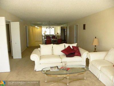 Pompano Beach Condo/Townhouse For Sale: 804 Cypress Blvd #209