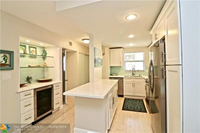 Hillsboro Beach Condo/Townhouse For Sale: 1161 Hillsboro Mile #406